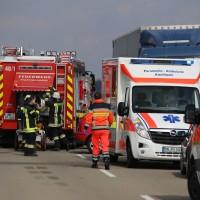 08-03-2016_Unterallgaeu_Pfaffenhausen_Unfall_Lkw-Pkw_Feuerwehr_Poeppel_new-facts-eu017