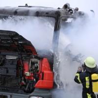 16-03-2016_Memmingen_Volkratshofen_Lkw-Brand_Feuerwehr_Poeppel_new-facts-eu010