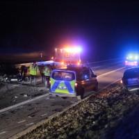 17-03-2016_A96-Aichstetten_Leutkirch_Unfall_Pannenfahrzeug_Polizeikombi_Auffahrer_Fluechtiger_Poeppel_new-facts-eu071