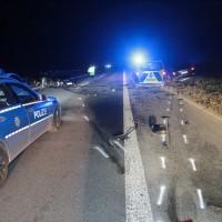 17-03-2016_A96-Aichstetten_Leutkirch_Unfall_Pannenfahrzeug_Polizeikombi_Auffahrer_Fluechtiger_Poeppel_new-facts-eu078