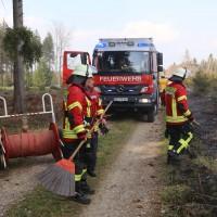 04-04-2016_Biberach_Tannheim_Rot_Waldbrand_Feuerwehr_Poppel20160404_0012