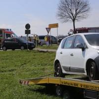 04-04-2016_Unterallgaeu_Groenenbach_UNfall_Abschleppwagen_Pkw_Polizei_Feuerwehr_Poppel20160404_0006