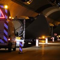 08-04-2016_A96_Erkheim_Stetten_Kohlbergtunnel_Schwertransporte_stecken_fest_Polizei_Poeppel20160408_0021