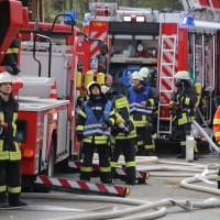 19-04-2016_Biberach_Gutenzell_Brand_Silo_Saegemehl_Feuerwehr_Poeppel20160419_0024