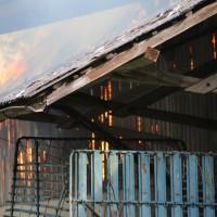 11-05-2016_Memmingen_Hart_Brand_Bauernhof_Feuerwehr_Poeppel_0011