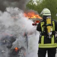 14-05-2016_A7_Berkheim_Dettingen_Pkw-Brand_Feuerwehr_Poeppel_0019