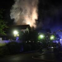 26-05-2016_Unterallgaeu_Bad-Woerishofen_Brand_Reisebus_Parkhaus_Feuerwehr_Poeppel_0073