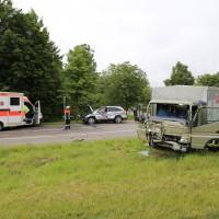 21-06-2016_Unterallgaeu_Ottobeuren_Unfall_Pkw-Lkw-Feuerwehr_Poeppel_0003