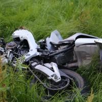 01-07-2016_Oberallgaeu_Altusried_Knaus_Motorrad_Pkw-toedlich_Feuerwehr_Polizei_Poeppel_0002