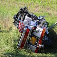 04-07-2016_A7_Woringen_motorrad-Gespann_Unfall-Feuerwehr_Poeppel_0004