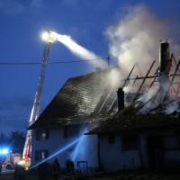 05-07-2016_Unterallgaeu_Ottobeuren_Buehl_Brand_Bauernhof_Feuerwehr_Poeppel_0036