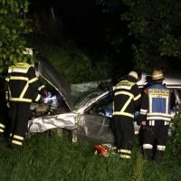 21-07-2016_A7_Memmingen-Sued_Unfall_Pkw_Anhaenger_Lkw_Feuerwehr_Poeppel_0007