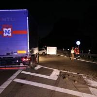 21-07-2016_A7_Memmingen-Sued_Unfall_Pkw_Anhaenger_Lkw_Feuerwehr_Poeppel_0041