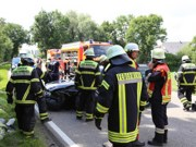 28-07-2016_B300_Heimertingen_Unfall_Lkw_Pkw_Schwerverletzt_Feuerwehr_Poeppel_0028
