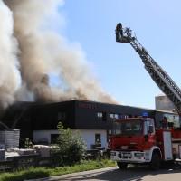 08-08-2016_Ravensburg_Aichstetten_Brand_Buero-Lager_Feuerwehr Poeppel_0052