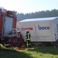 08-09-2016_BY_Unterallgaeu_Babenhausen_Kirchhaslach_Lkw-Unfall_Feuerwehr_Poeppel_0016