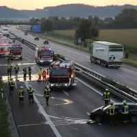 13-09-2016_A96_Mindelheim_Unfall_Tote_brennender-Pkw_Feuerwehr_Poeppel_0001