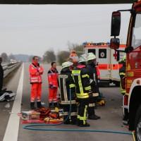 20161114_A7_Dietmannsried_Leubas_Kleinlaster_Sattelzug_Unfall_Feuerwehr_Poeppel_new-facts-eu_028
