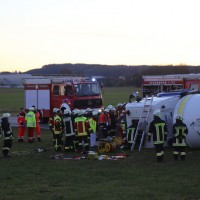 20161208_Unterallgaeu_Wolfertschwenden_Lkw-Unfall_Zementsilo_Feuerwehr_Poeppel_new-facts-eu_004