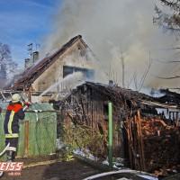 20161209_Guenzburg_Ziemetshausen_Brand_Wohnhaus_Feuerwehr_Weiss_new-facts-eu_003