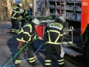 20161214_Memmingen_Unfall_Pkw_Lkw_Feuerwehr_Poeppel_0042
