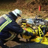 20161216_B16-Mindelheim_Unfall_Feuerwehr_Poeppel_0006