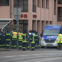20161225_Augsburg_Fliegerbombe_Entschaerfung_Evakuierung_BRK_JUH_MHD_Polizei_Feuerwehr_THW_Tauber_Bruder_new-facts-eu_0001