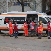 20161225_Augsburg_Fliegerbombe_Entschaerfung_Evakuierung_BRK_JUH_MHD_Polizei_Feuerwehr_THW_Tauber_Bruder_new-facts-eu_0020