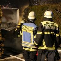 2016_Memmingen-Amendingen_Brand_Pkw_Garage_Feuerwehr_Poeppel_0014