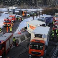 20170110_A96_Woerishofen_Buchloe_Wertach-Parkplatz_Unfall_Lkw-Pkw-Feuerwehr_Poeppel_0008