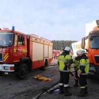 20170110_A96_Woerishofen_Buchloe_Wertach-Parkplatz_Unfall_Lkw-Pkw-Feuerwehr_Poeppel_0026