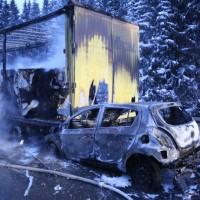 20170118_A980_B12_Waltenhofen_Unfall_Sattelzug_Lkw_Pkw_Brand_Feuerwehr_Poeppel_0012