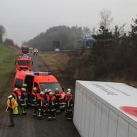20170324_A96_Weissensberg_Lkw-Unfall_Feuerwehr_Oel_Poeppel_0023