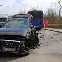 20170404_Kaufbeuren_Bus_Pkw_Unfall_Rettungsdienst_Polizei_dedinag_0009