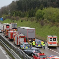 20170425_A96_Buchloe_Tuerkheim_Wertach_Lkw_Unfall_Feuerwehr_Poeppel_0002