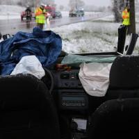 20170427_B12_Germaringen_Unfall_Frontal_Porsche_Skoda_Feuerwehr_Polizei_dedinag_00012