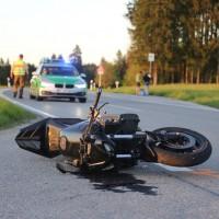 20170517_Ostallgaeu_Balteratsried_Motorrad_Unfall_Traktor_Polizei_Poeppel_0003
