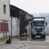 20170617_Ravensburg_Leutkirch_Brand_Lagerhalle_Feuerwehr_Poeppel_0054