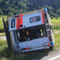 20170626_B310_Pfronten_Nesselwang_Unfall_Rettungswagen_Polizei_Poeppel_0005