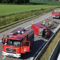 20170706_A96_Holzguenz_Erkheim_Unfall_Transporter_Vollsperrung_Feuerwehr_Poeppel_0024