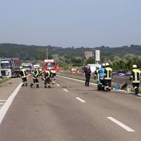 2017-08-02_A96_Erkheim_Unfall_Reifenplatzer_Feuerwehr_Poeppel-0013
