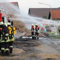 20170817_Unterallgaeu_B16_Hausen_Salgen_Lkw-Heuballen-Brand_Feuerwehr_Poeppel-0015
