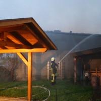 2017-09-08_Unterallgaeu_Hawangen_Brand_Maschinenhalle_Feuerwehr_Poeppel-0010