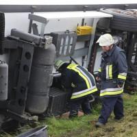 2017-10-07_B32_Staig_Lkw-Unfall_Bergung_Feuerwehr_Poeppel_0024