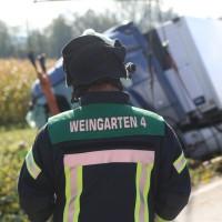 2017-10-07_B32_Staig_Lkw-Unfall_Bergung_Feuerwehr_Poeppel_0037