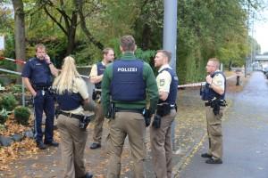 2017-10-21_Muenchen_Ottobrunner-Strasse_Messerstecher_Polizei_Poeppel-0023
