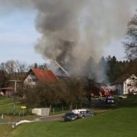 2017-11-04_Ravensburg_Wangen_Leupolz-Bauhof_Brand-Landwirtschaft_Feuerwehr_Poeppel_0002