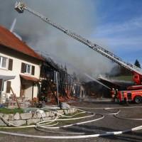 2017-11-04_Ravensburg_Wangen_Leupolz-Bauhof_Brand-Landwirtschaft_Feuerwehr_Poeppel_0005