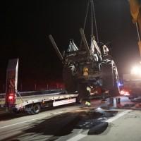 2017-11-20_A7_Dietmannsried_Leubas_Unfall_Traktor_Boeschungsarbeiten_Polizei_Kutter_Poeppel-0041