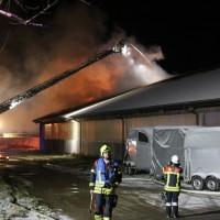 2017-11-27_Unterallgaeu_Ettringen_Brand_REithalle_Feuerwehr_Poeppel_0023